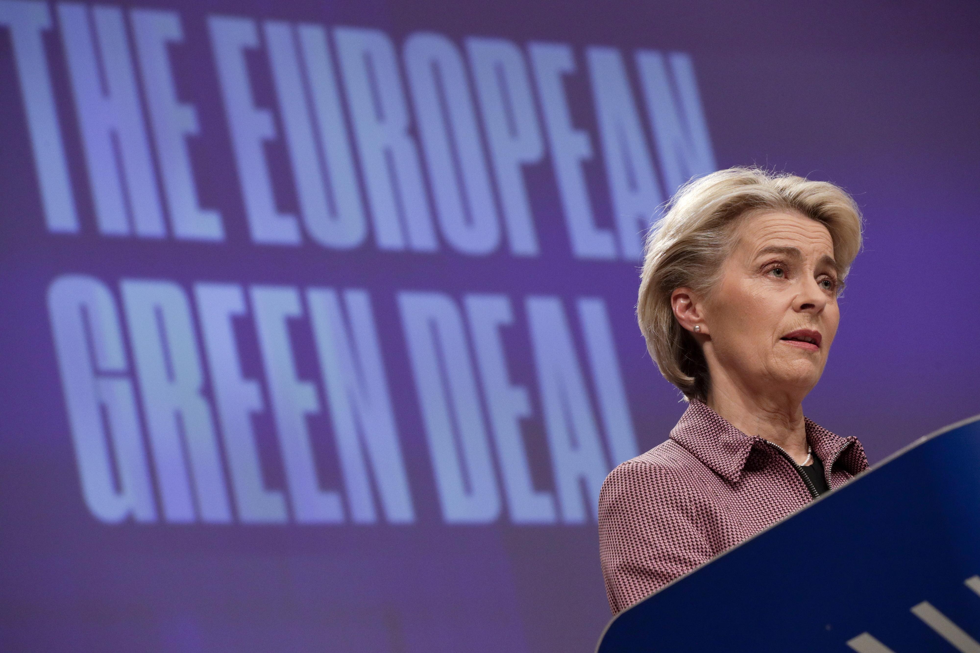 Bruxelas pede redução de emissões de gases poluentes ainda esta década