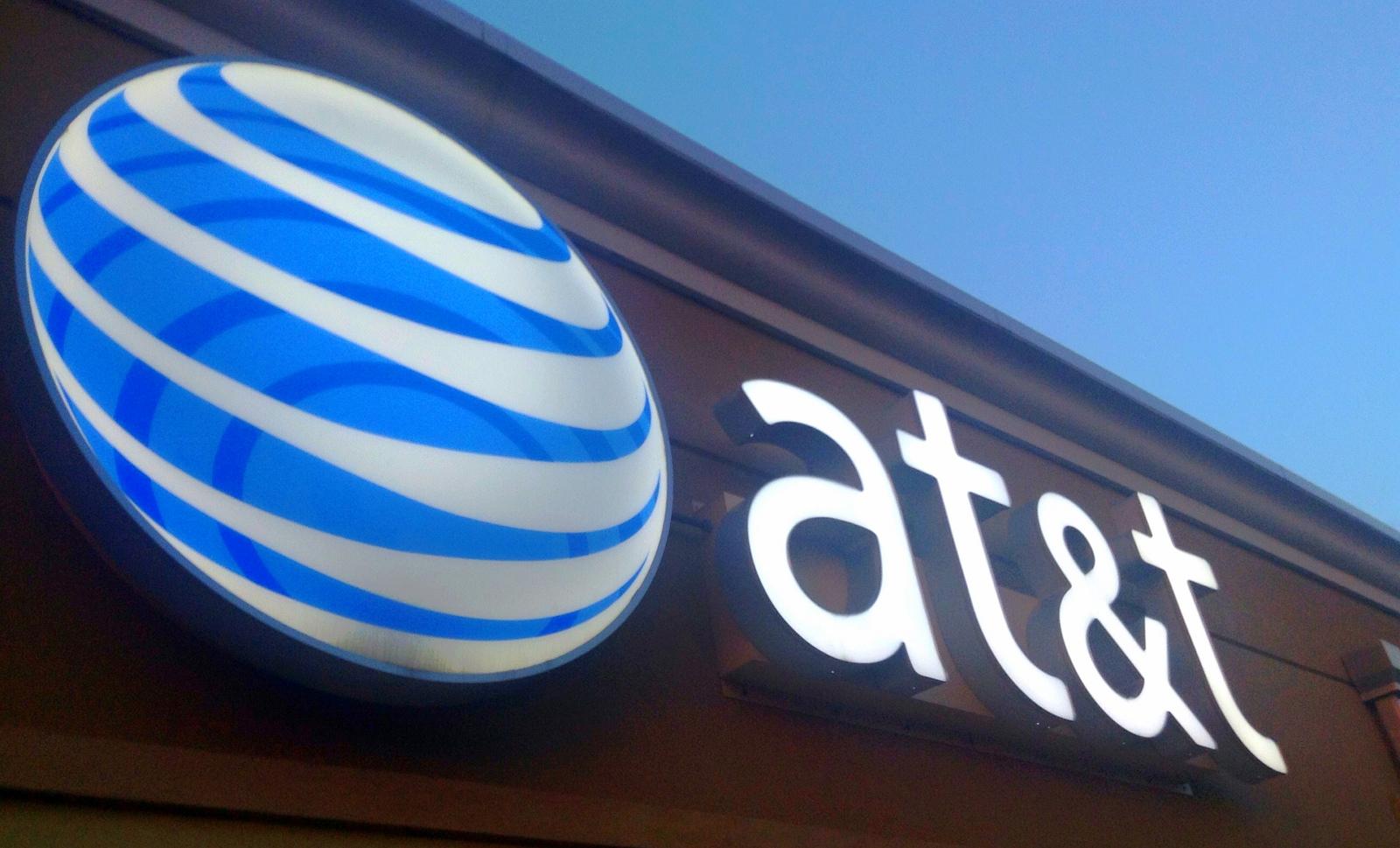 AT&T quer comprar a Time Warner por 85 mil milhões de dólares