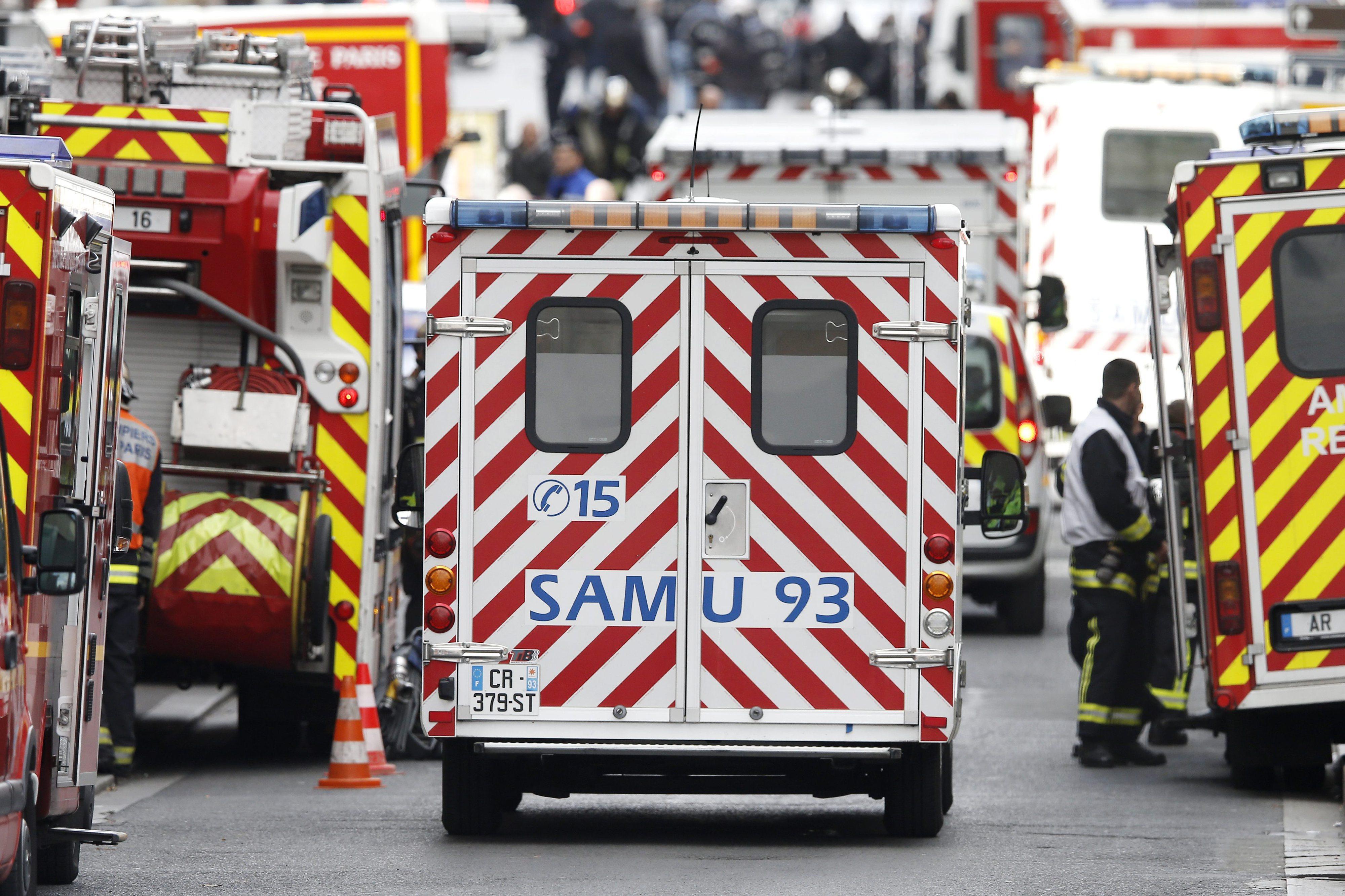 Seis adolescentes morrem em acidente entre 'minibus' escolar e camião em França