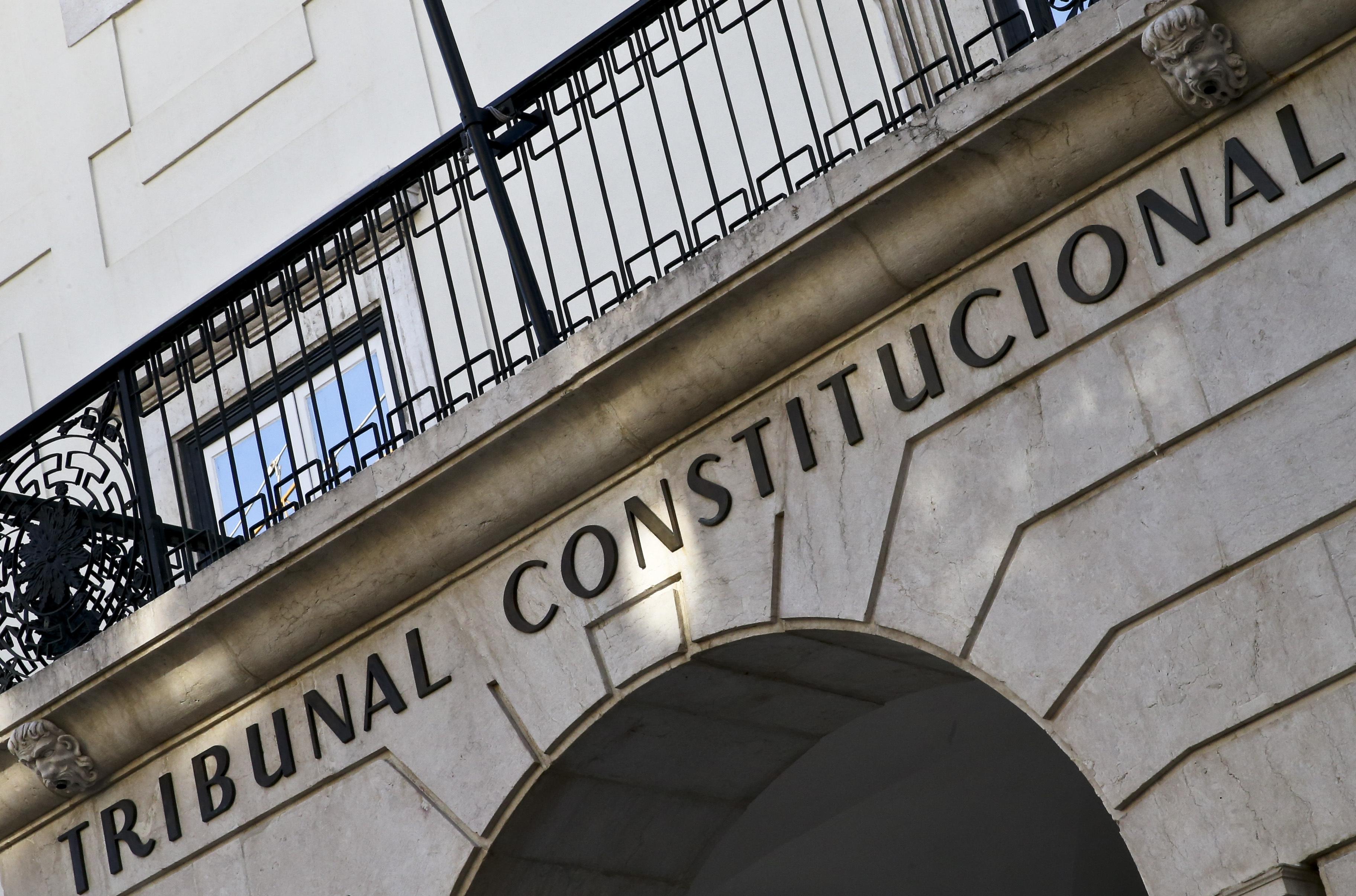 TC chumba normas da lei de gestação de substituição mas situações em tratamento podem prosseguir
