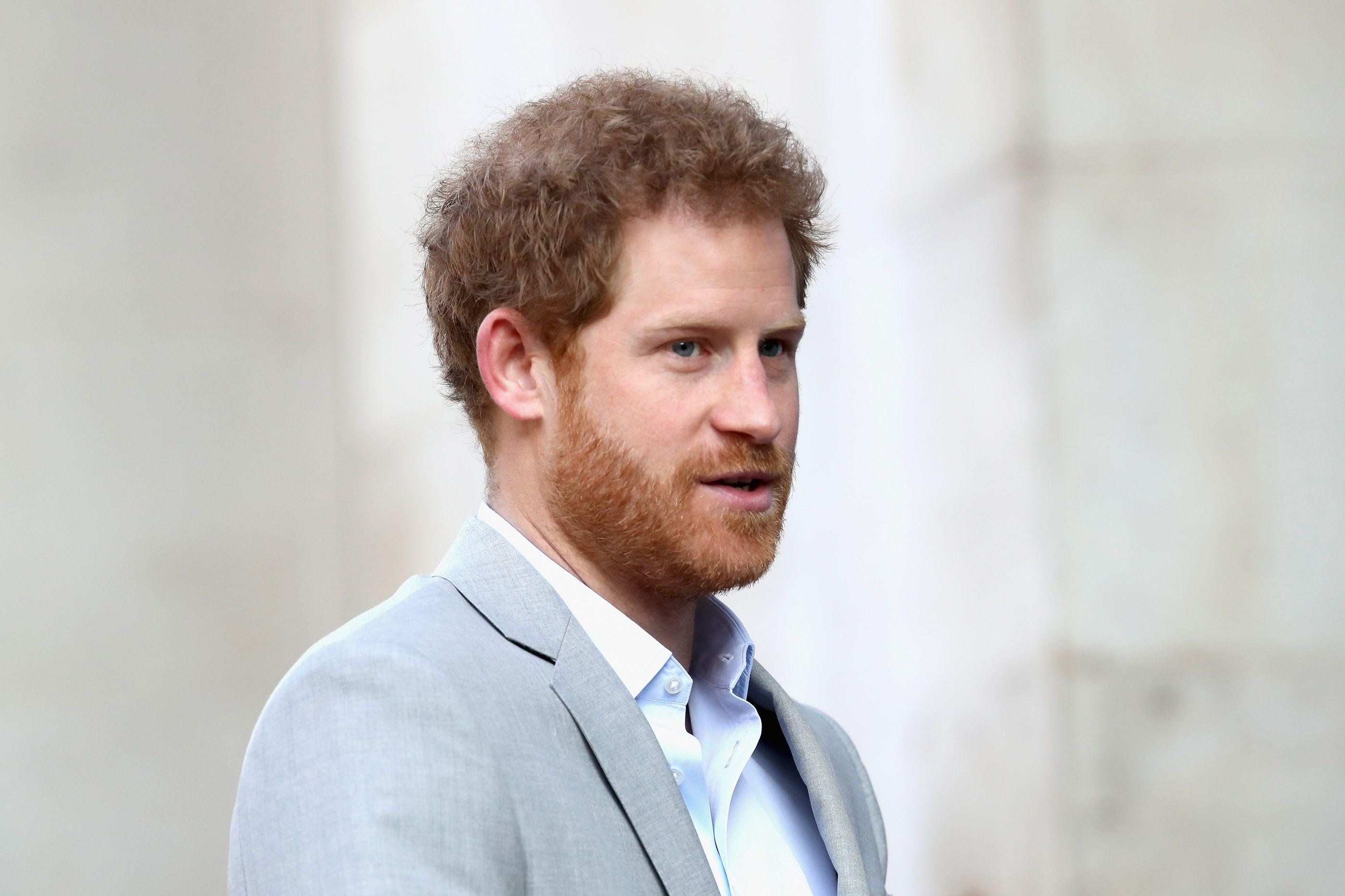 Príncipe Harry considerou desistir do seu papel na família real