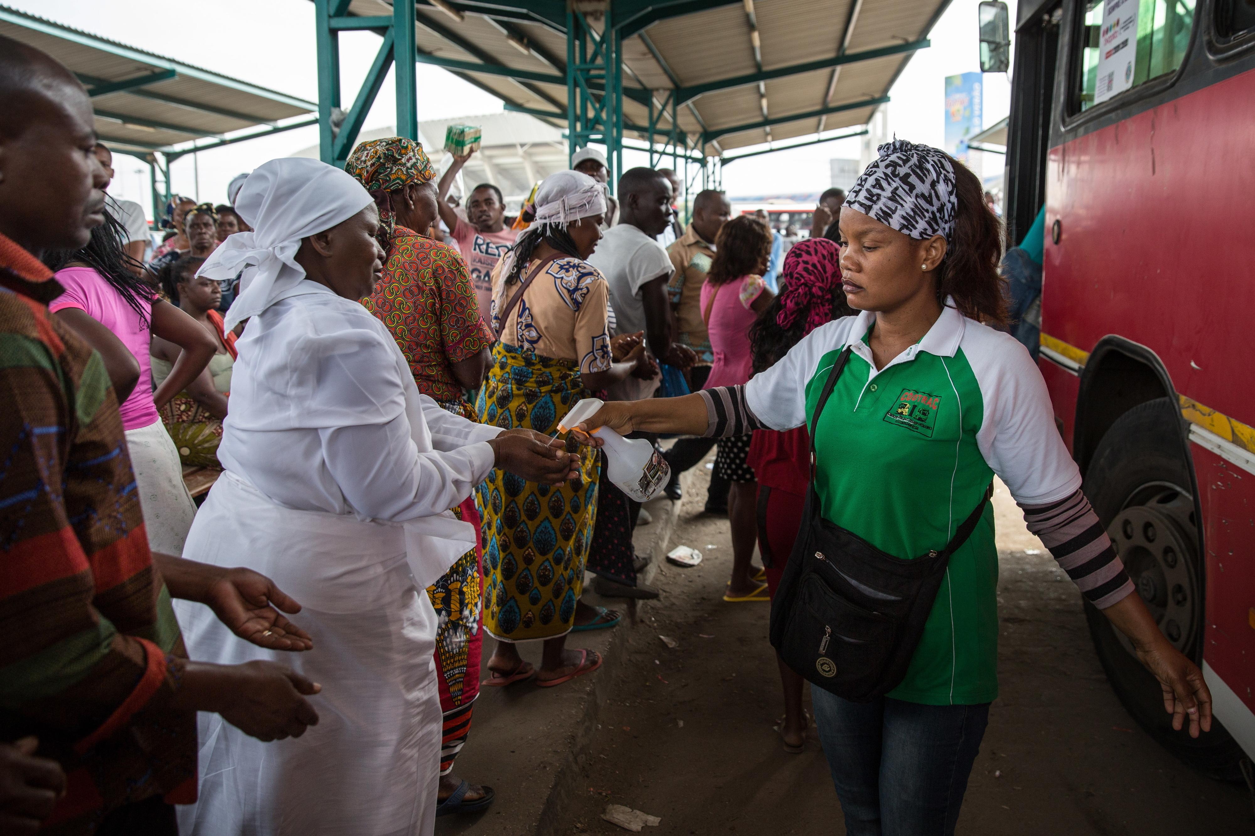PR moçambicano enaltece papel da mulher na luta contra a doença