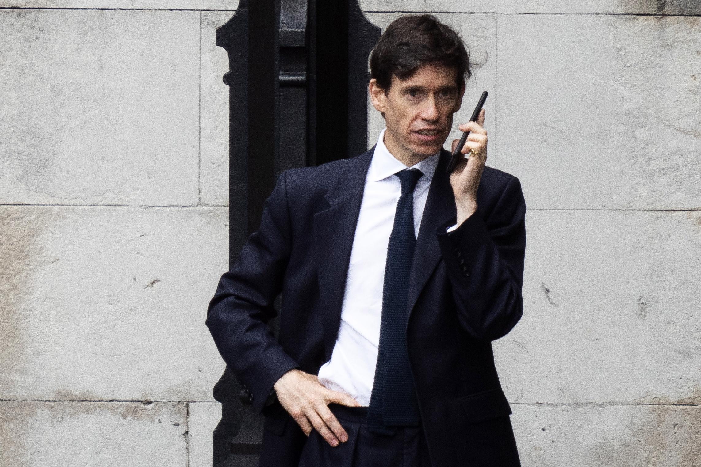 Ministro para o Desenvolvimento Internacional Rory Stewart eliminado da eleição para PM britânico