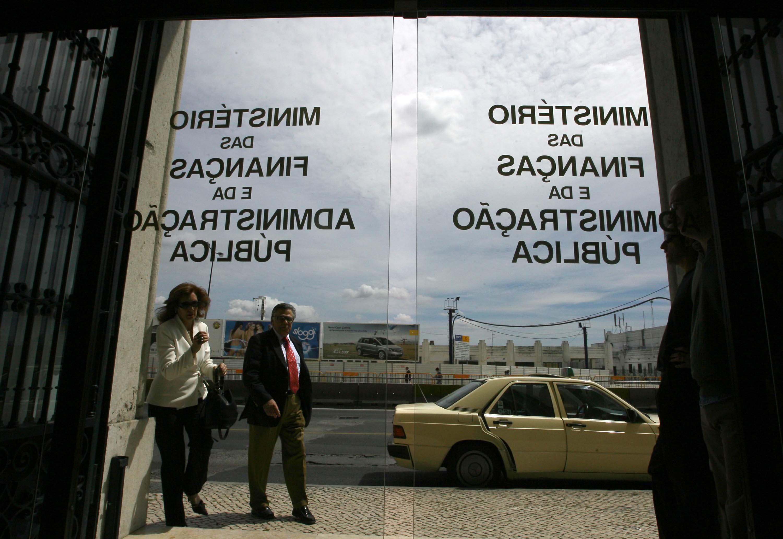 """Governo afirma que acordo """"assenta num plano que garante competitividade"""""""
