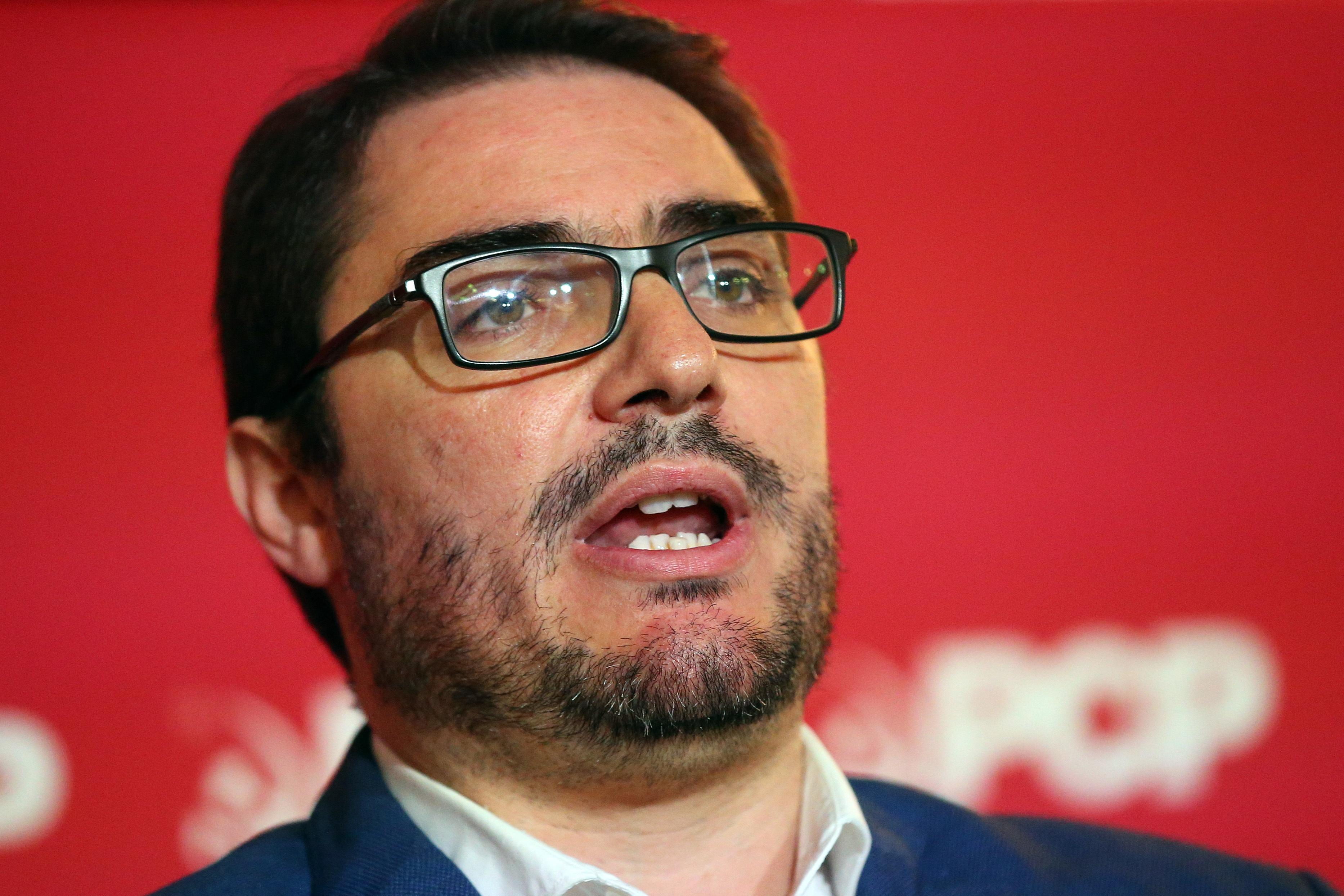 """João Oliveira """"tem a certeza quase absoluta"""" que não se coloca questão de liderar PCP"""