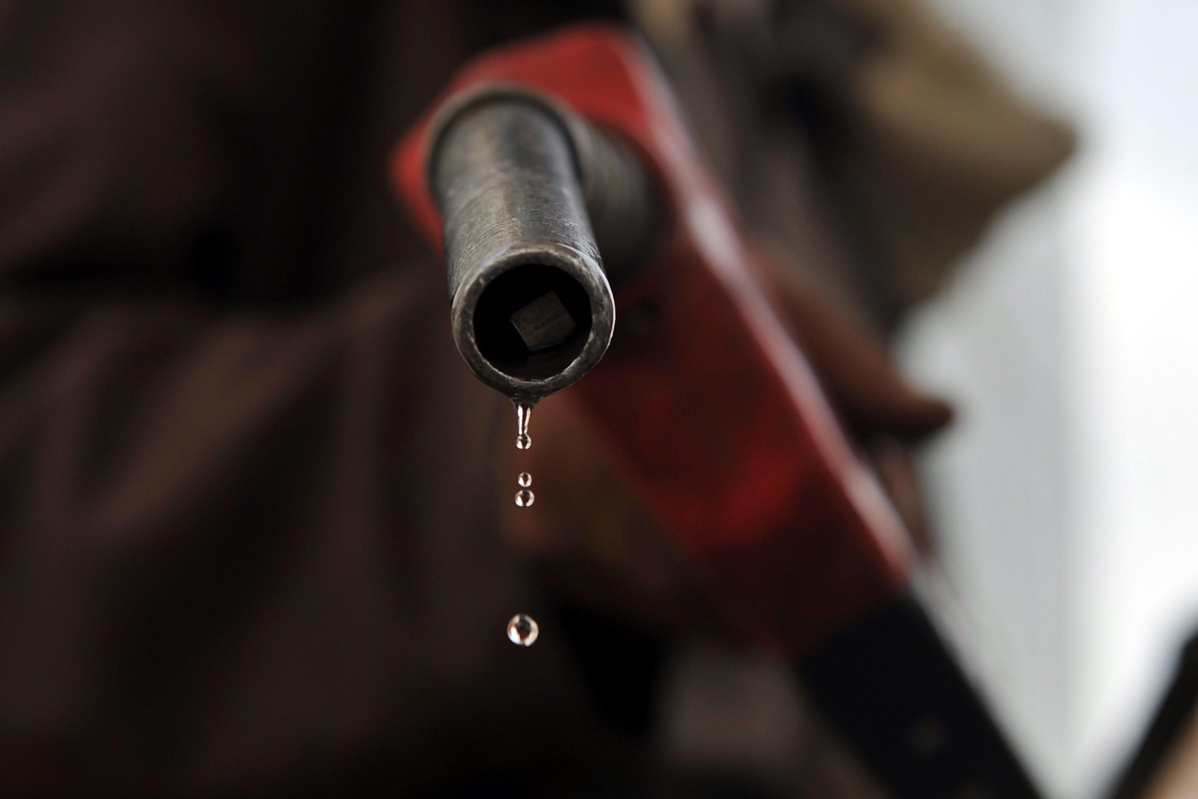 Aumento do preço de combustíveis em Moçambique ficou abaixo do calculado - Governo