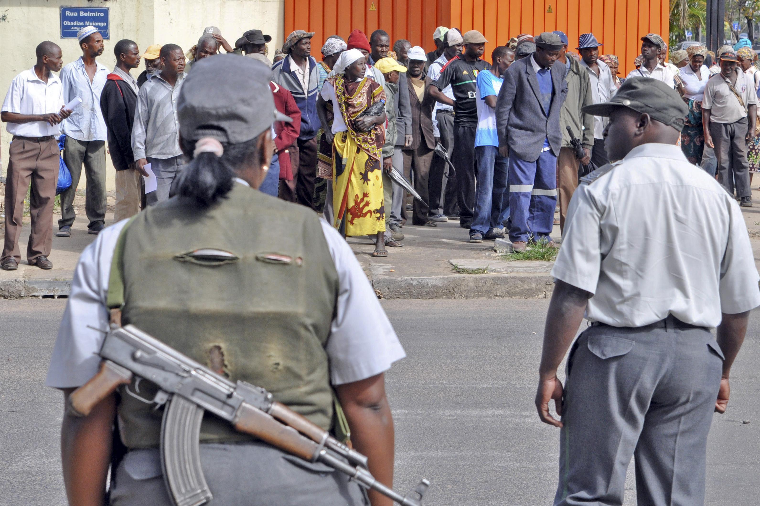 Autoridades moçambicanas anunciam detenção de 11 alegados membros de grupo armado