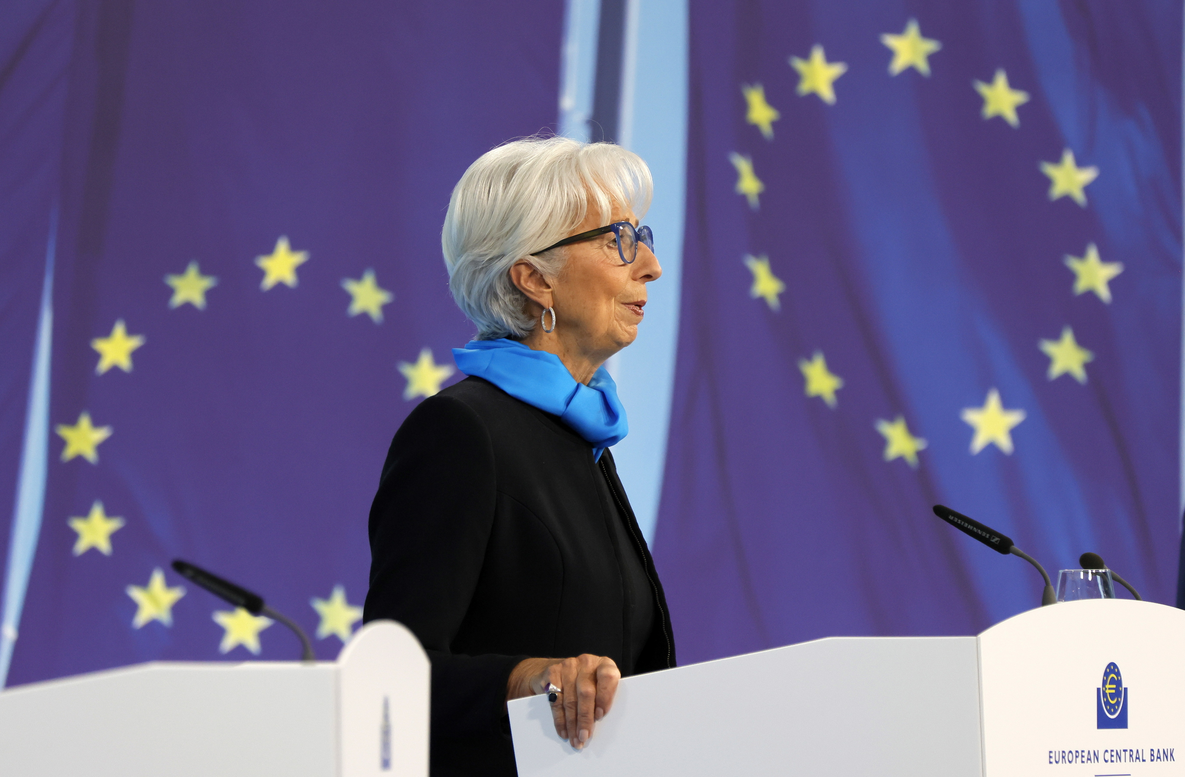 Subida da inflação pode durar mais, mas recuará em 2022 - Lagarde