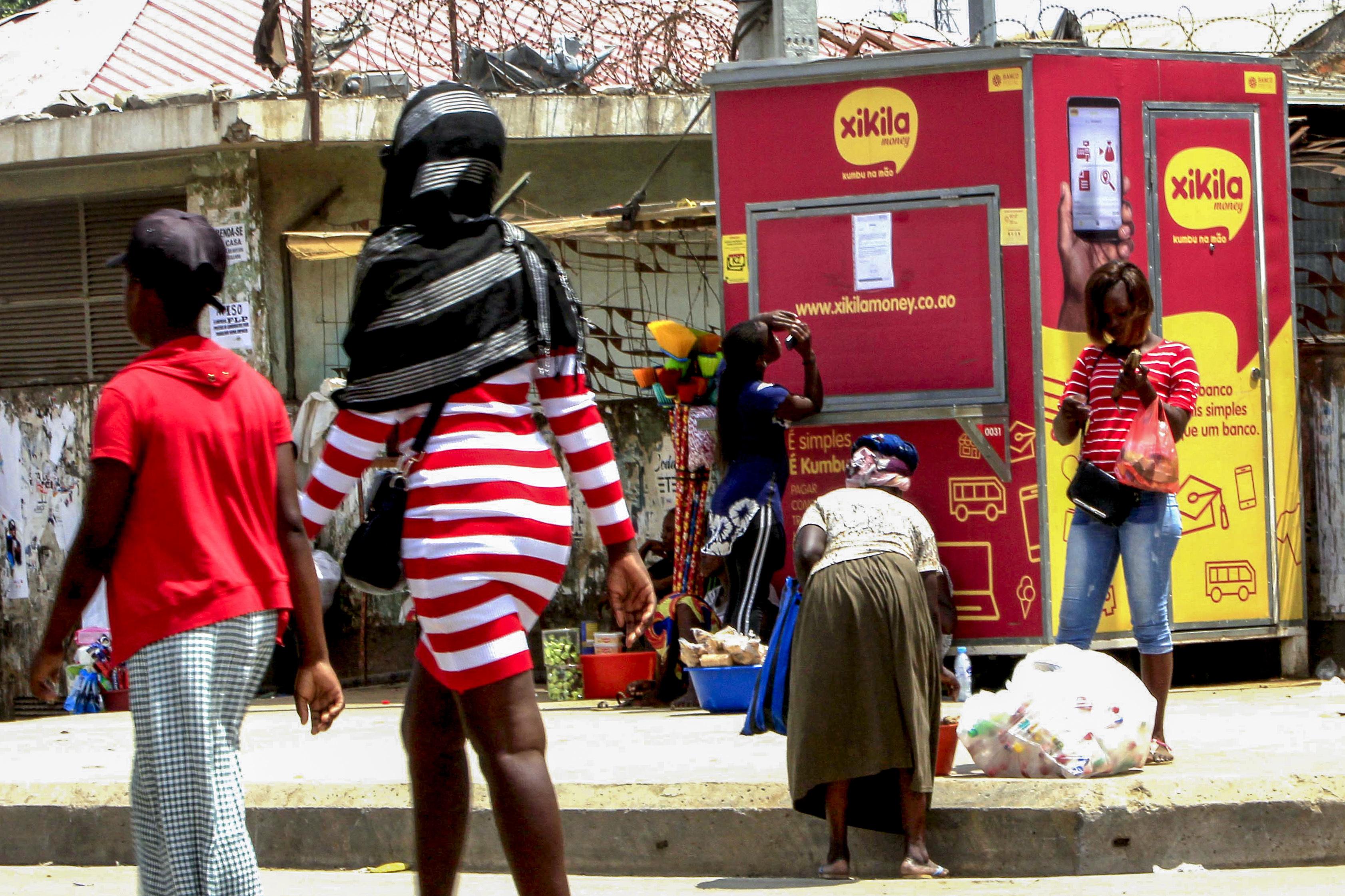 """Polícia angolana diz que uso da força em manifestações """"resulta da desobediência dos cidadãos"""""""