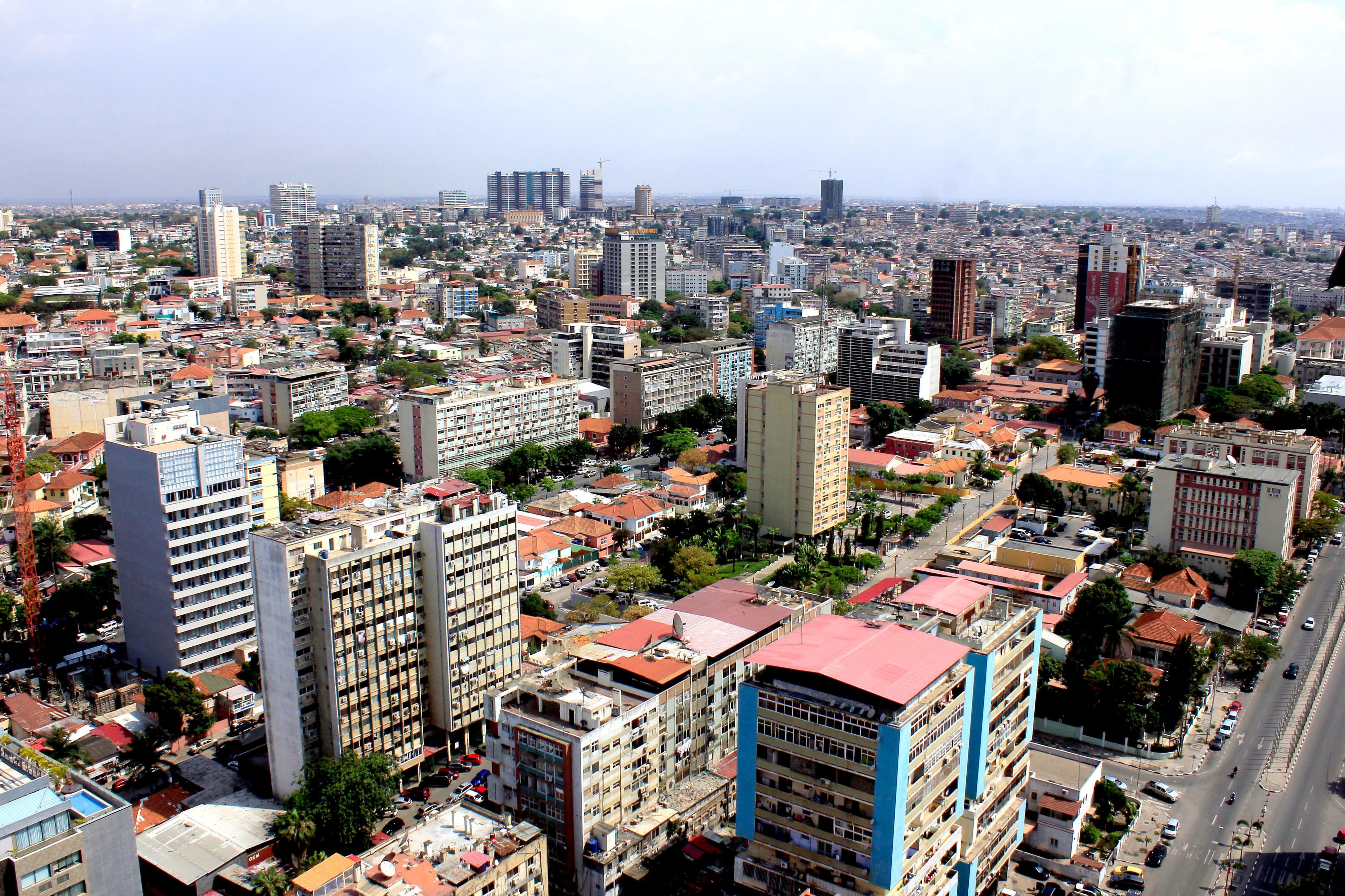 IHS Markit vê recessão de 0,7% este ano em Angola e dívida pública nos 91%