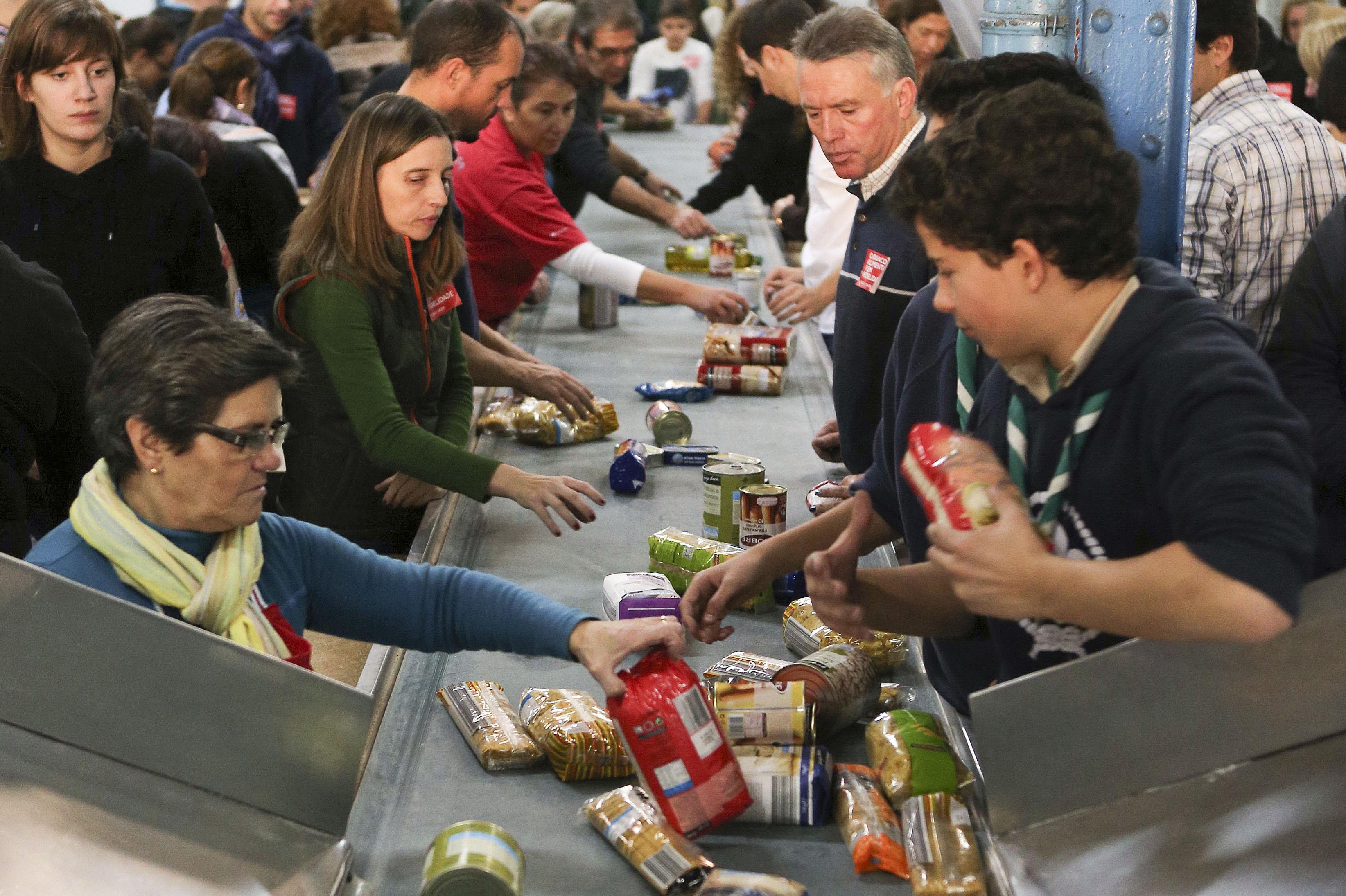 Campanha do Banco Alimentar arranca hoje com 43 mil voluntários