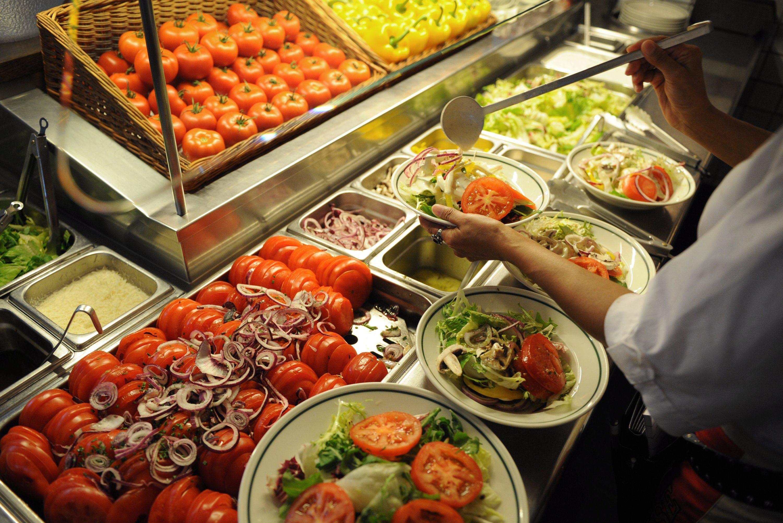Alimentos estragados transformam-se em composto agrícola e energia elétrica na Amadora