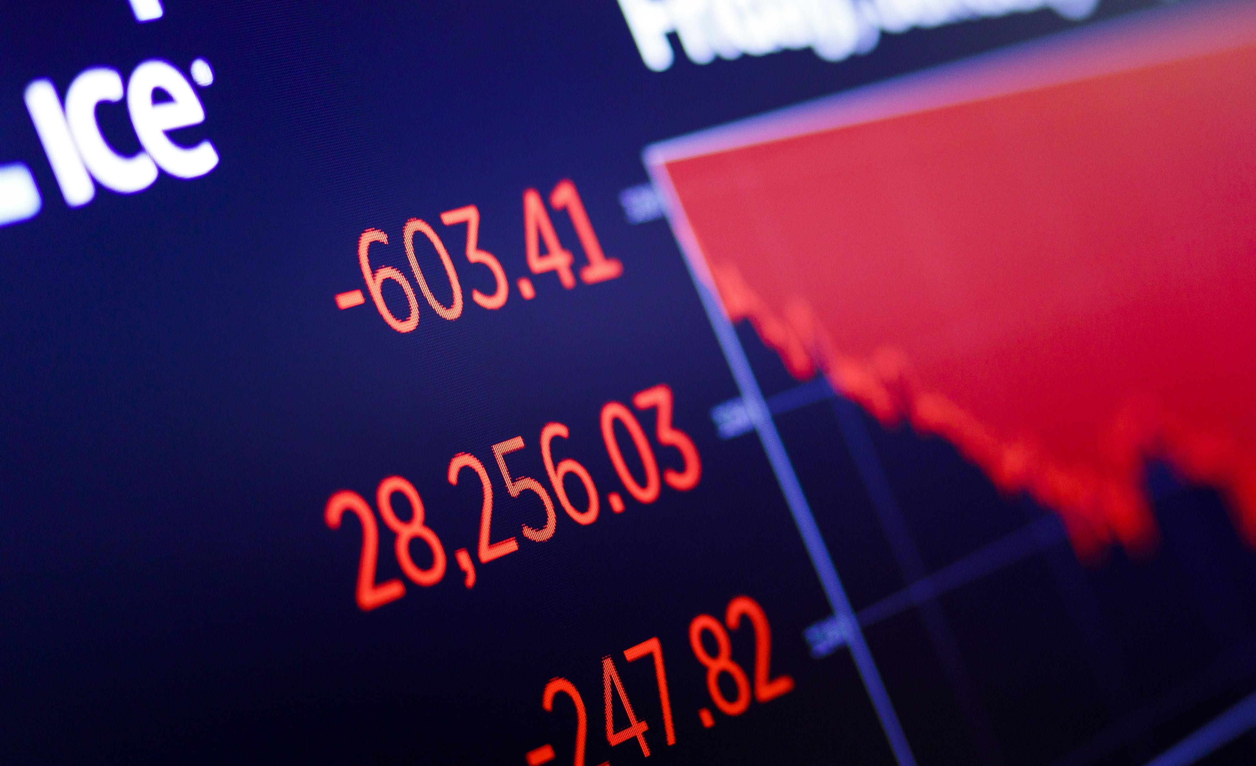 Bolsa de Nova Iorque cai de novo depois de encerrar no 'vermelho'