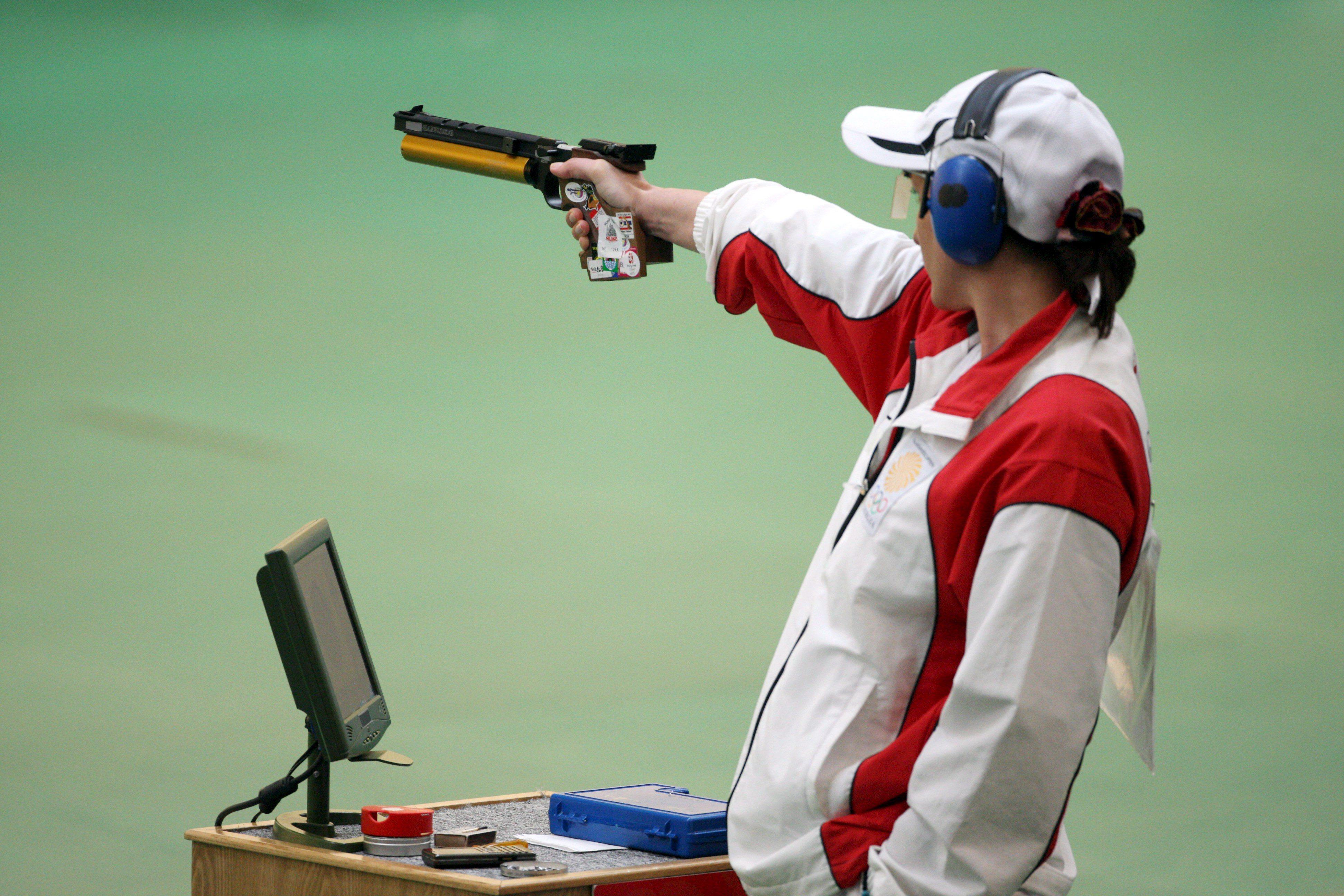 Atiradora Nino Salukvadze apura-se para recorde de nove Jogos Olímpicos