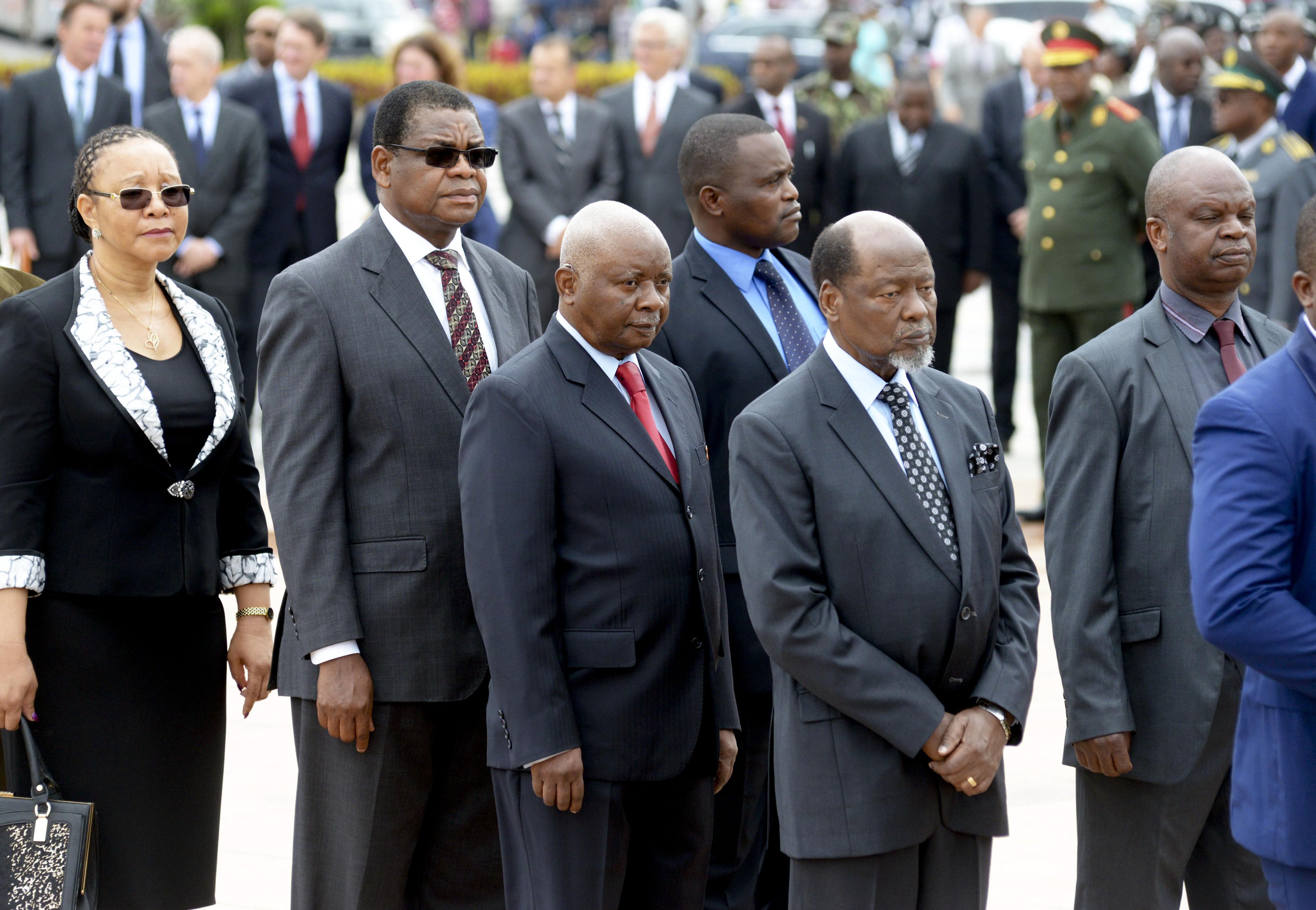 Chissano diz que auditoria a dívidas ocultas ajuda a promover transparência
