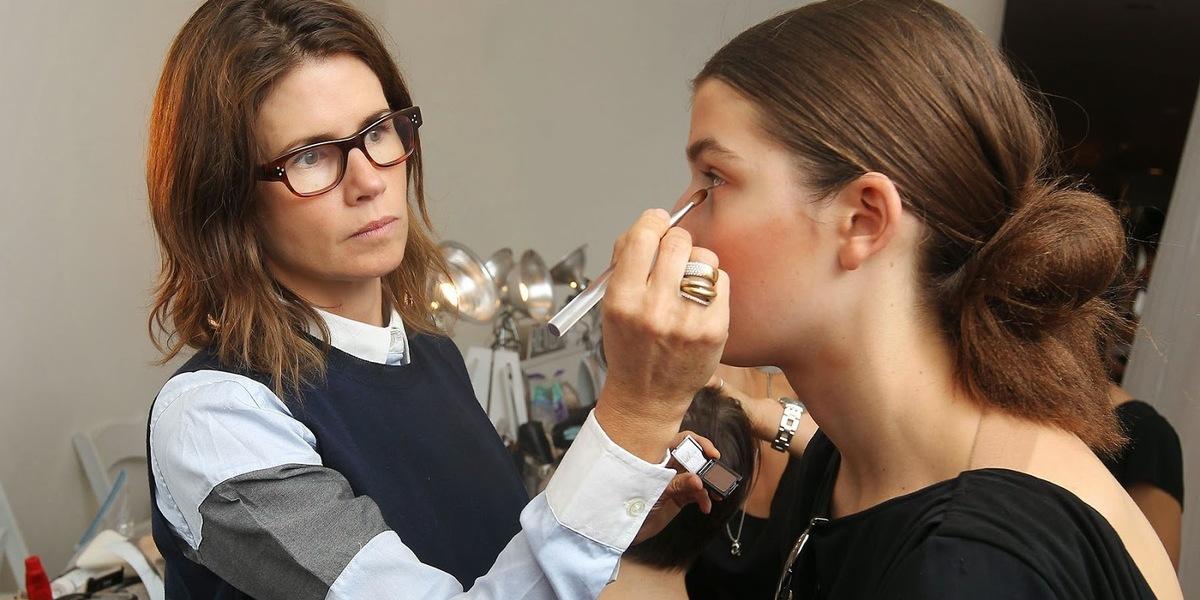 Maquilhadora que Cameron Diaz e Jennifer Aniston adoram lança linha de maquilhagem natural
