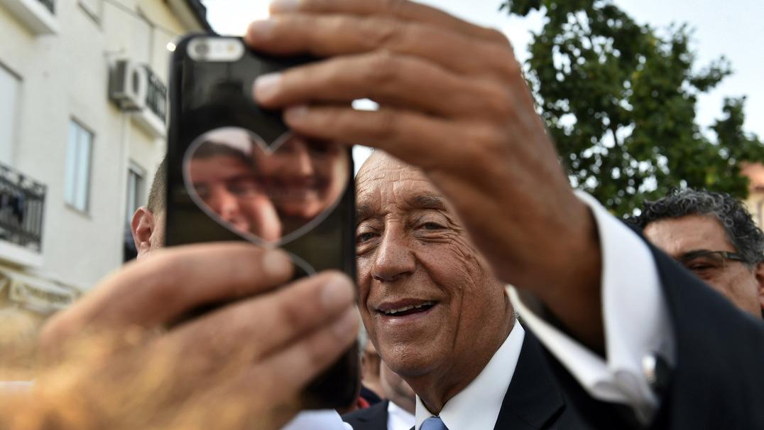 Portugueses não dão férias às 'selfies'
