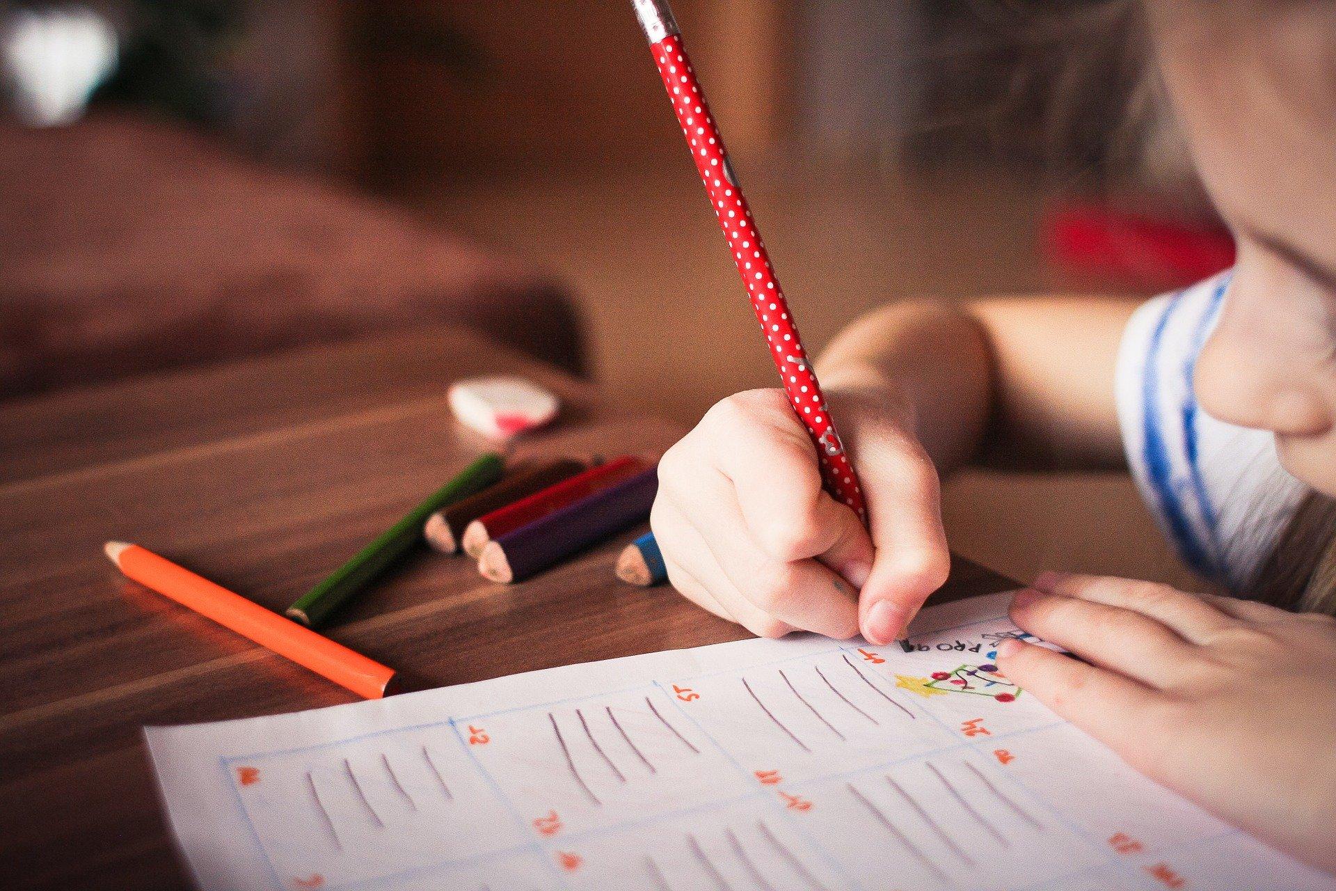 Governo atribui 15 milhões para apoiar alunos com dificuldades de aprendizagem