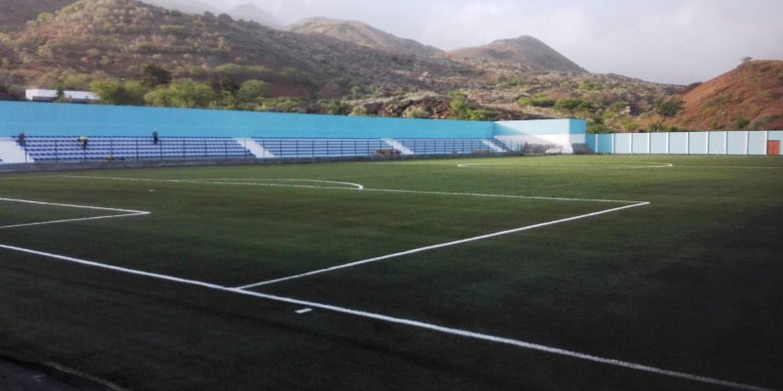 Futebol/Cabo Verde: Primeira fase do estádio municipal de Santa Catarina, no Fogo, inaugurada sábado