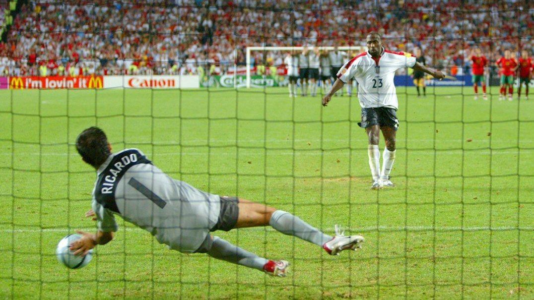 Foi há 15 anos que Ricardo tirou as luvas para defender uma penalidade