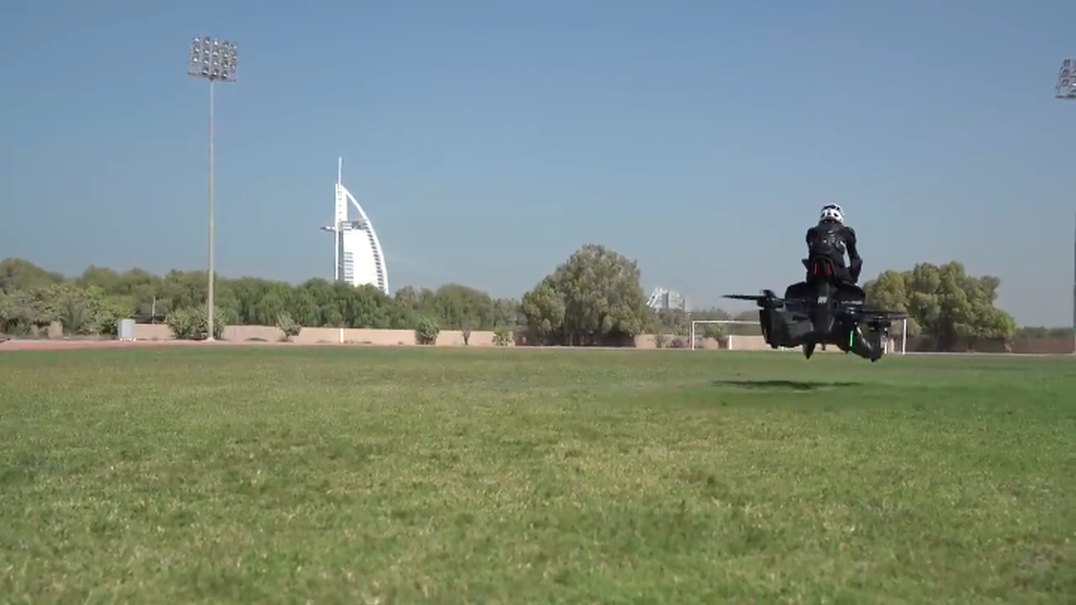 Polícia do Dubai vai passar a ter motas voadoras