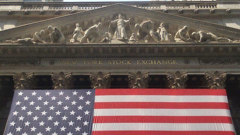 Ganhos das tecnológicas puxam por Wall Street