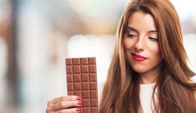 Alimentação durante a menstruação: o que comer e evitar para atenuar sintomas