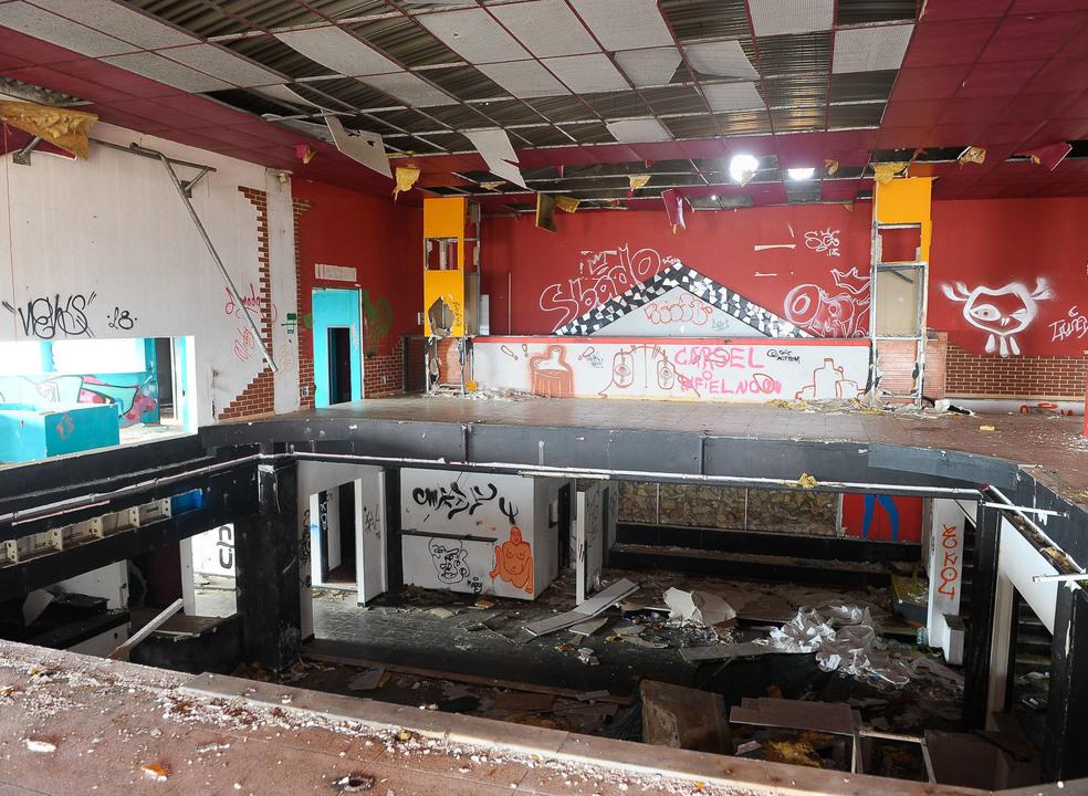 Atraíam multidões nos anos 80 e 90, mas as grandes discotecas da região Centro estão agora abandonadas