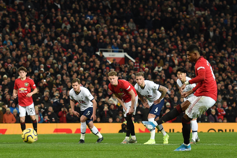 United faz jogo de final de 'Champions' e aplica a 1.ª derrota a Mourinho, no seu regresso a Old Trafford
