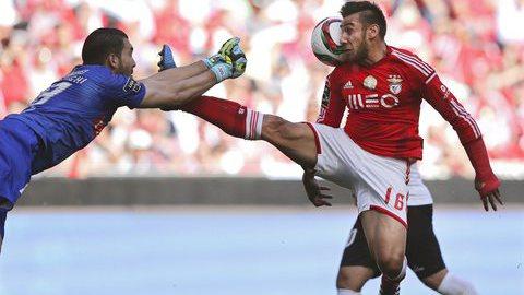 Benfica e Sporting defendem segundo lugar na Taça dos Campeões
