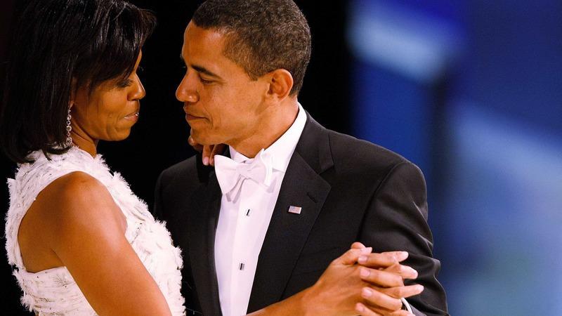 Em dia de festa, Michelle Obama recebe presente especial do marido