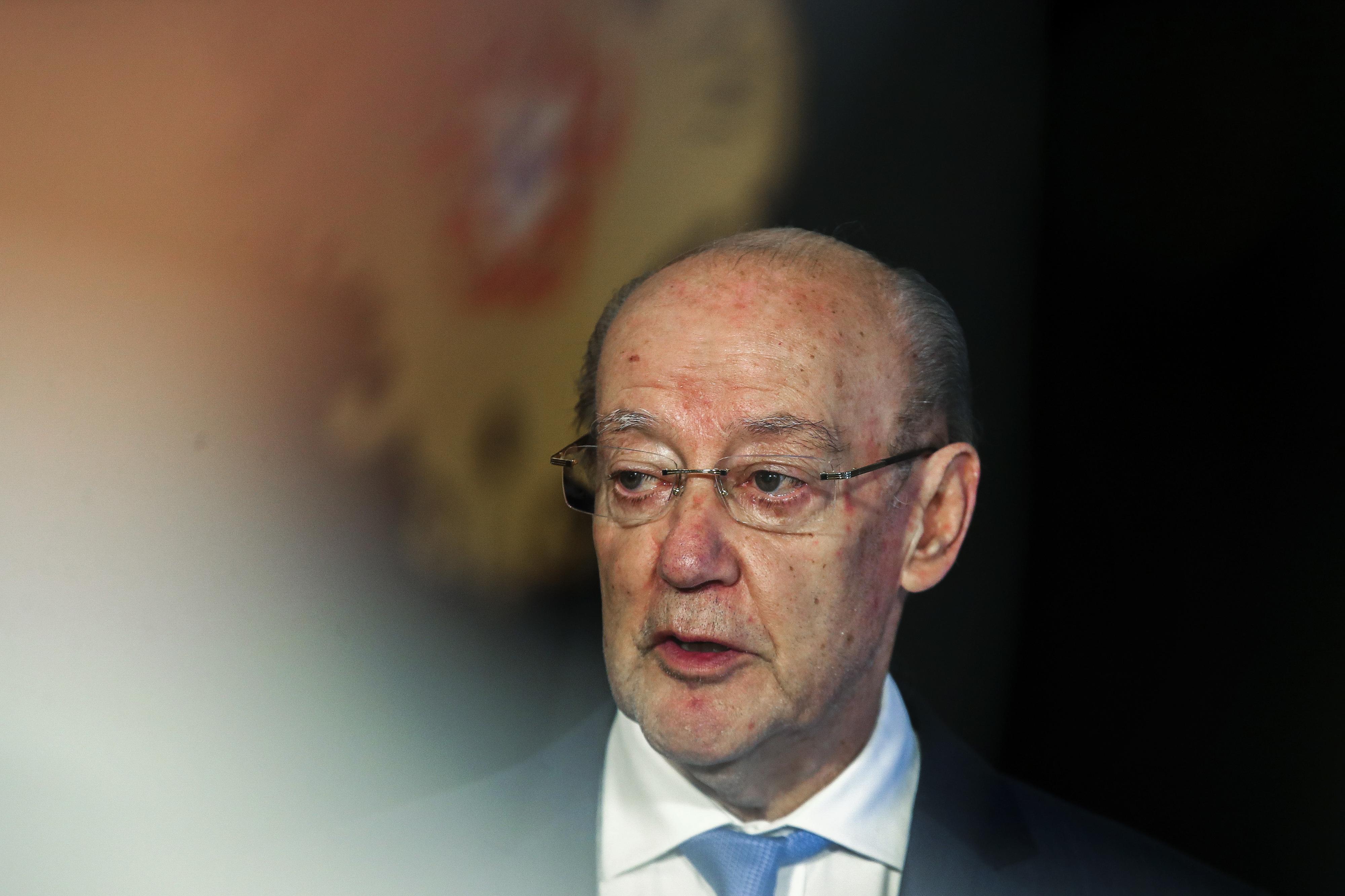"""Pinto da Costa recandidata-se à presidência do FC Porto a """"pensar nas dificuldades do presente"""""""