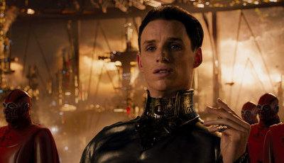 """Eddie Redmayne admite que esteve péssimo no filme """"Ascensão de Júpiter"""""""