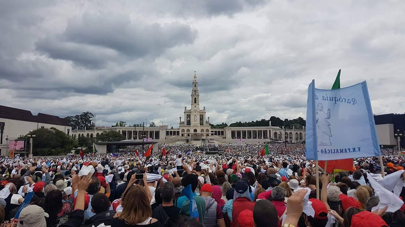 """Fenómeno de Fátima foi """"golpe político da igreja"""" defende autor do livro """"Senhora da República"""""""