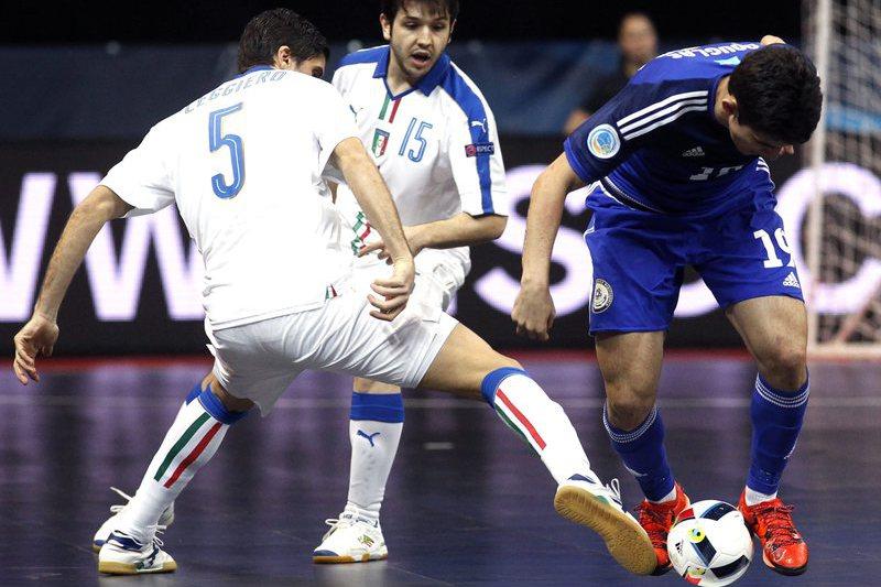Cazaquistão surpreende Itália, Rússia elimina Azerbaijão
