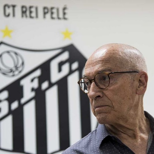 Quando voltar ao Santos, Jesualdo poderá já não encontrar um dos seus 'craques'