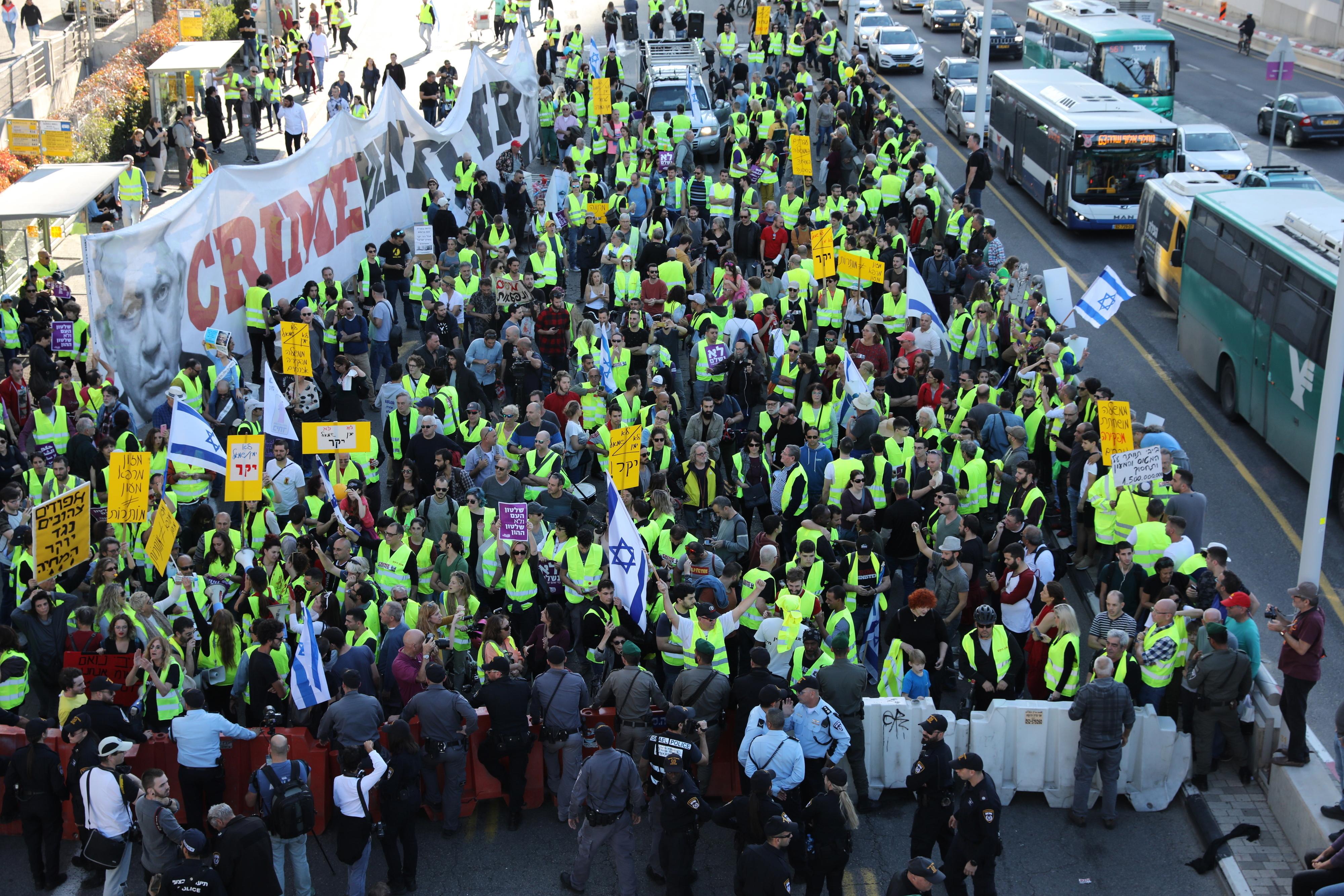 """""""Coletes amarelos"""" israelitas manifestaram-se contra o aumento do custo de vida"""