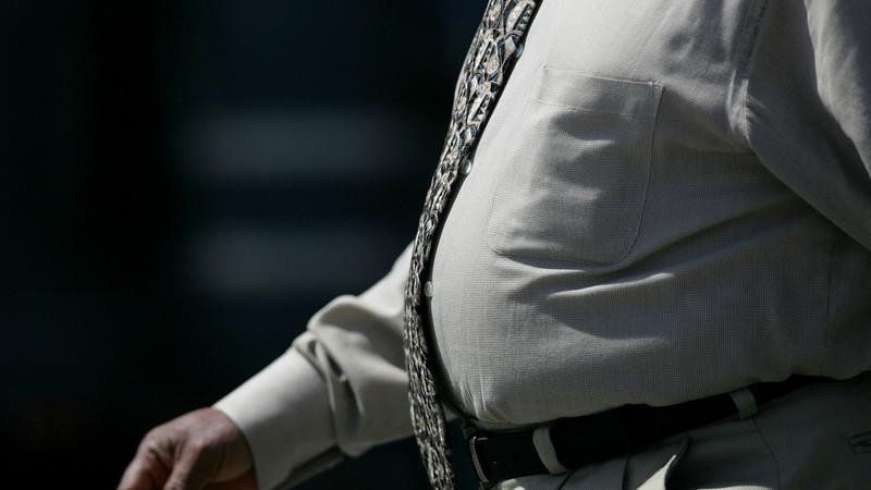 Estudo identifica razão por que as pessoas engordam à medida que envelhecem