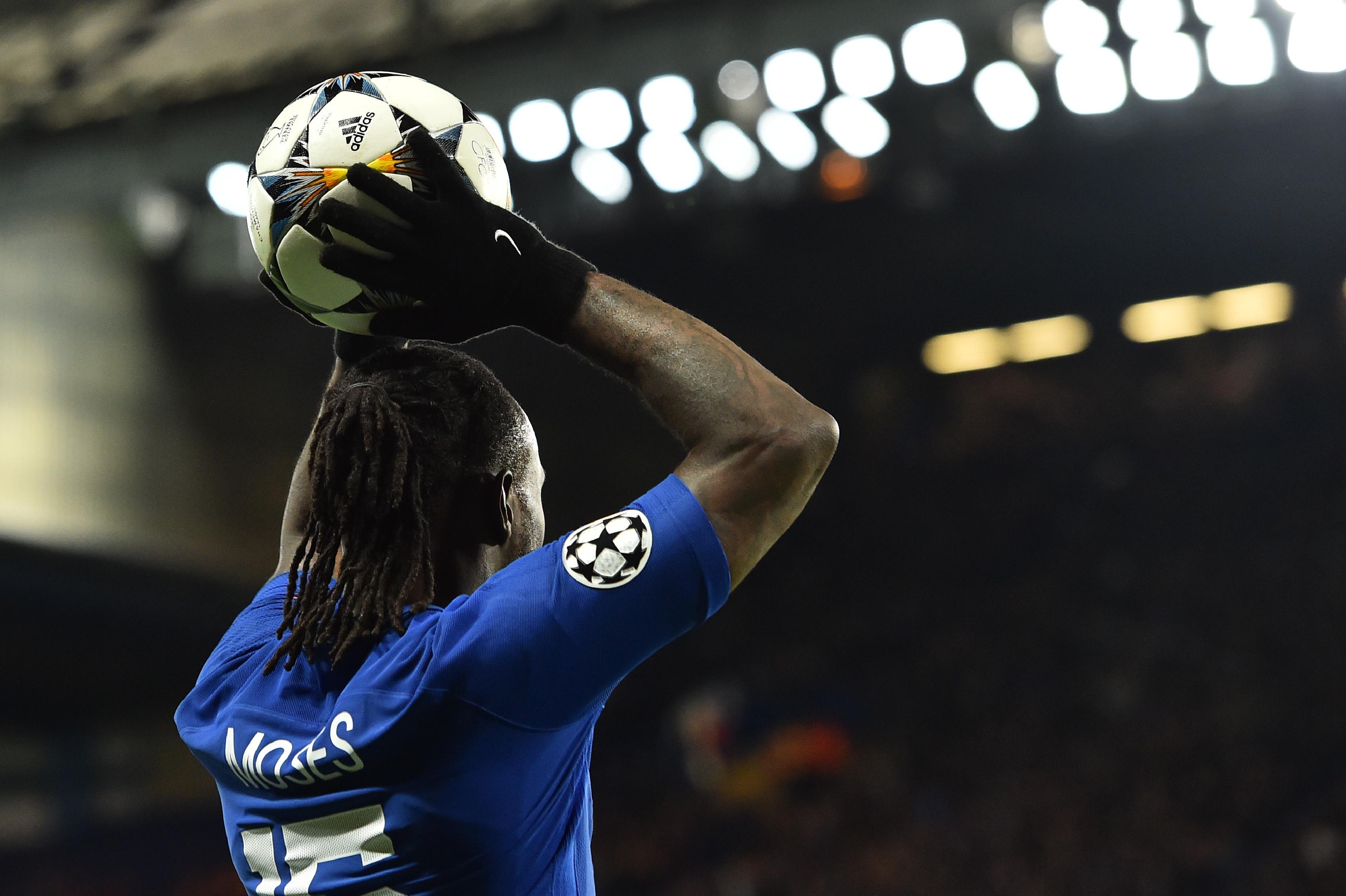 Chelsea vence e continua a lutar pelo acesso à 'Champions'