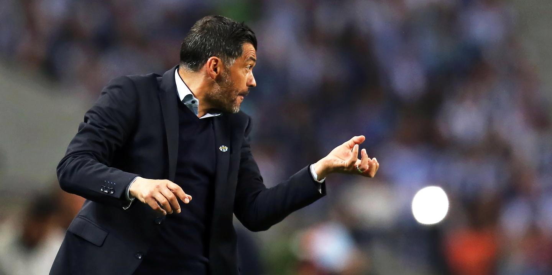 Sérgio Conceição renova com o FC Porto