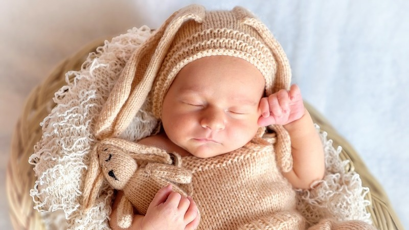 Como os bebés recebem o nome tradicionalmente em vários países