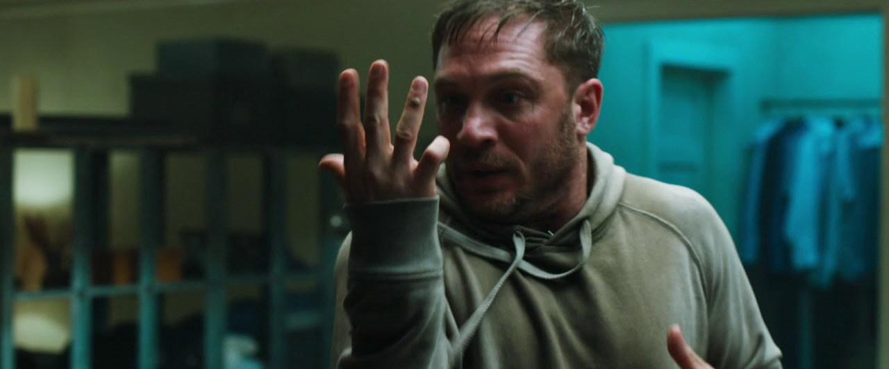 """Tom Hardy liberta o anti-herói dentro de si nas novas imagens de """"Venom"""""""