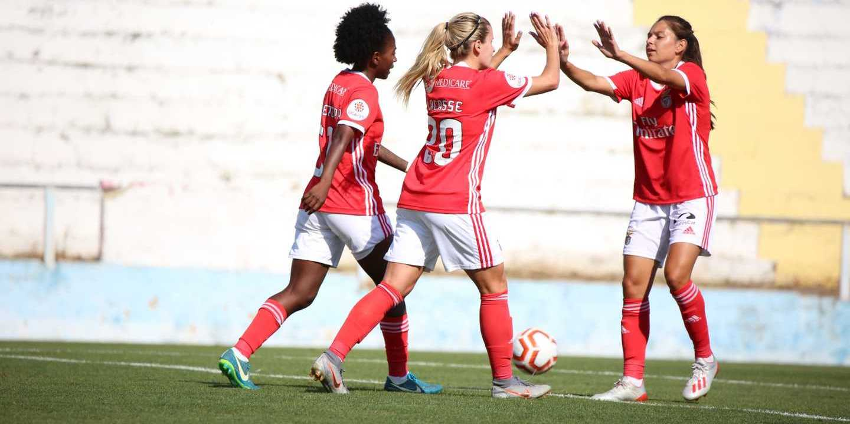SL Benfica. Equipa feminina estreia-se na primeira divisão com um 24-0