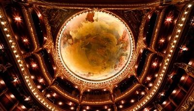 100 anos de Teatro Nacional São João virados do avesso