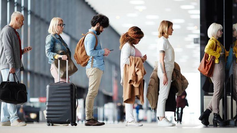 Fact Check: as companhias aéreas vendem mais bilhetes do que a capacidade dos seus aviões?