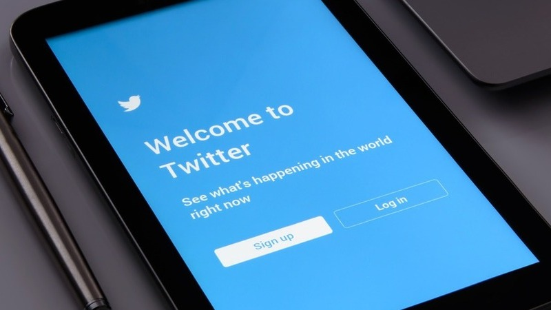 Tweets que incentivem a autoflagelação e o suicídio têm novo sinal de STOP