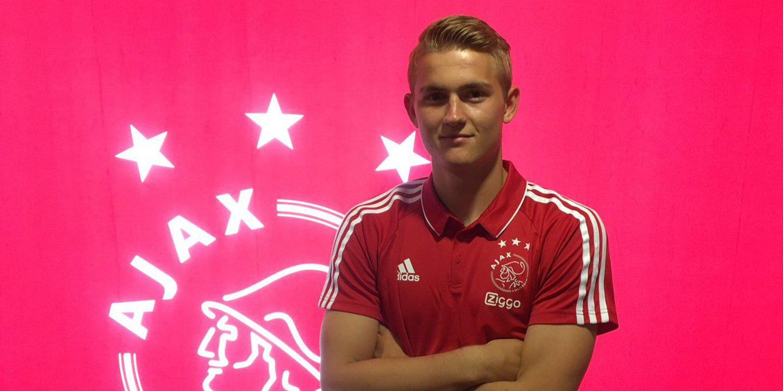 Ajax renova contrato com jovem promessa holandesa