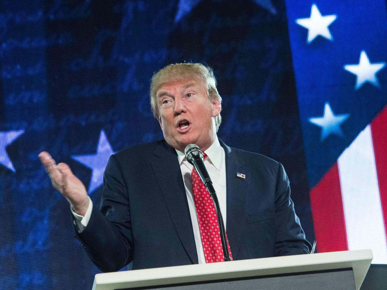 """EUA: Nova versão do decreto anti-emigração de Trump foi """"chumbada"""""""