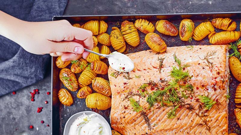 Receita de salmão no forno com batatas escandinavas