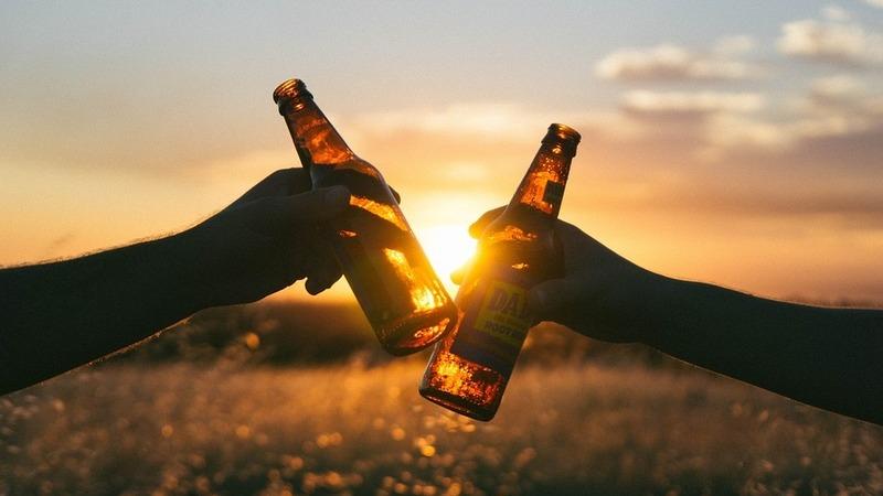 Conheça os países mais baratos para beber cerveja. Portugal está na lista